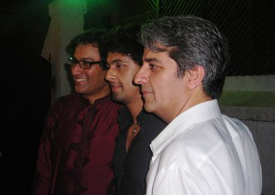 Talat Aziz(Middle) with there friend Mr.Sonu Nigam(Left) Mr.Tony Ashai(Right)